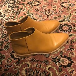 Everlane Modern Ankle Boots in Camel